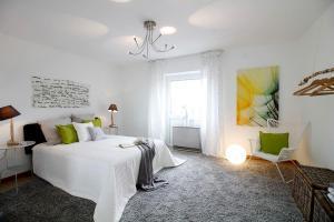 002-Schlafzimmer