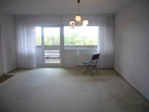 020-Wohnzimmer)